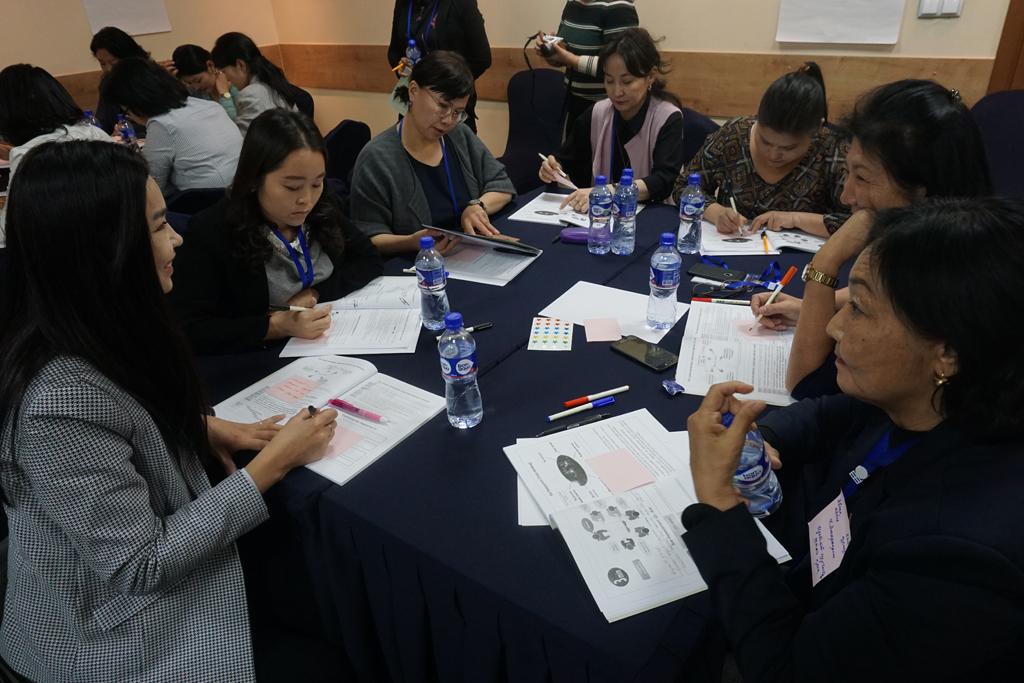 """Монголын сувилахуйн салбарын эрдэмтэн багш нарт зориулсан """"Action Learning"""" заах аргын сургалт боллоо"""